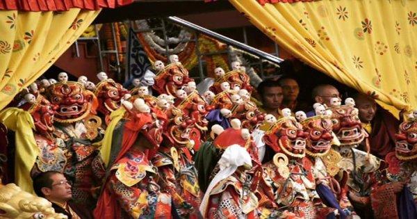 Royal Bhutan Tour (Culture/Adventure/Luxury/Ancient History)