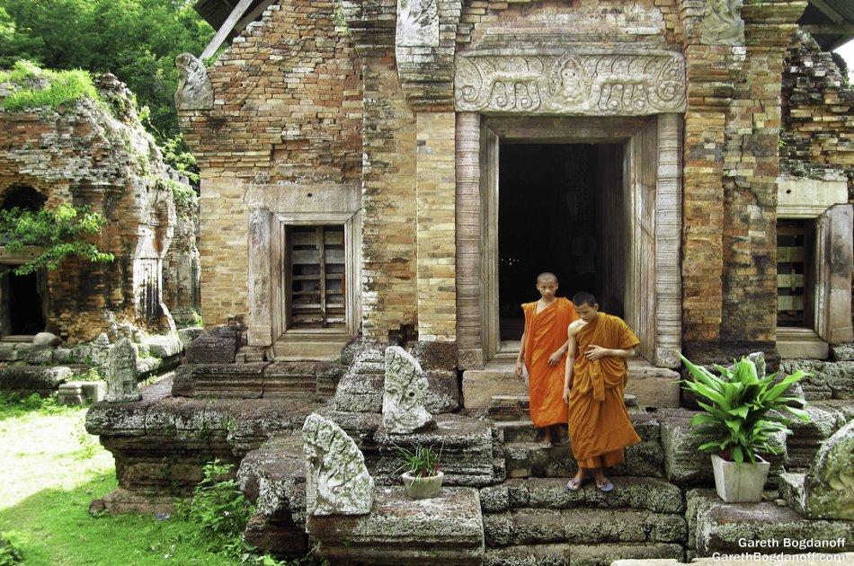 Full Day Phnom Chisor & Tonle Bati Private Tour