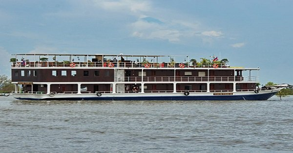 Romantic Dinner Cruise on Phnom Penh