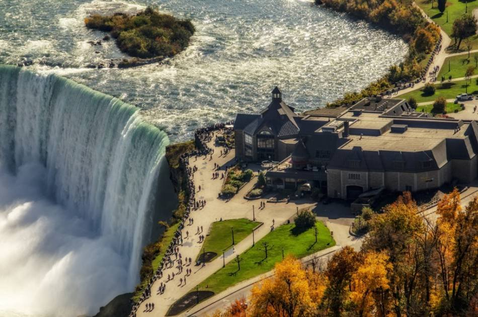 Lunch At The Edge Of Niagara Falls Group Tour