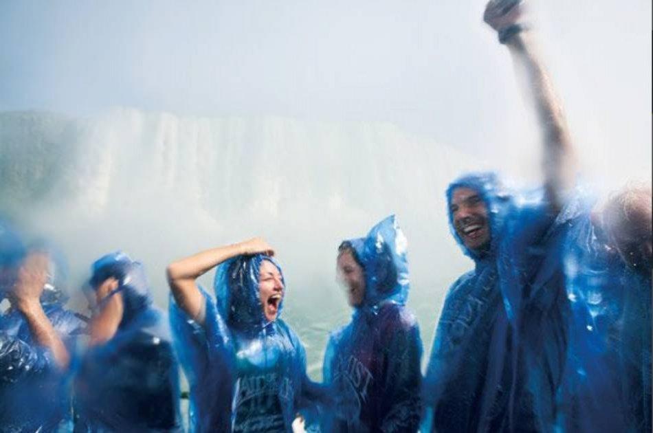 Niagara Falls Group Tour From Brampton