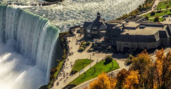 Niagara Falls Group Tour From Downtown Toronto
