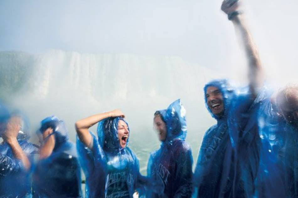 Niagara Falls Group Tour From Downtown Toronto