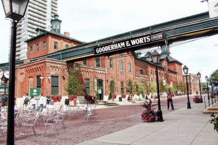 Toronto History Tours With an Expert