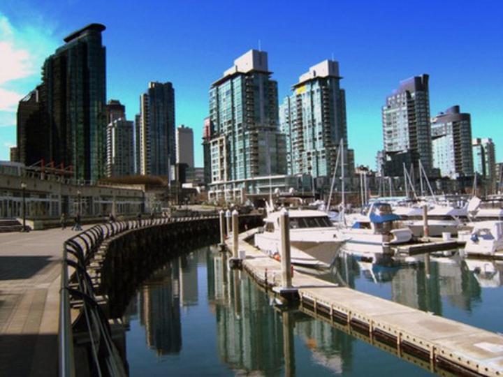 Full-day Private Vancouver's History, Culture, Art & Culinary Scene