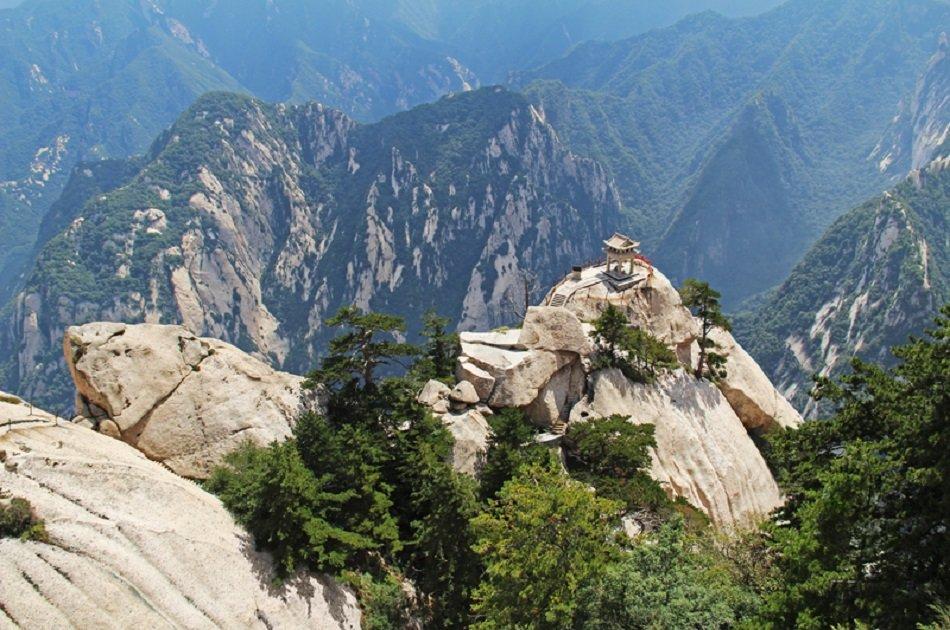 2-day Private Tour: Terracotta Warriors and Huashan Mountain