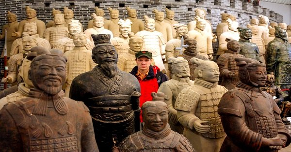 2-day Private Tour: Terracotta Warriors and Huashan Mountain