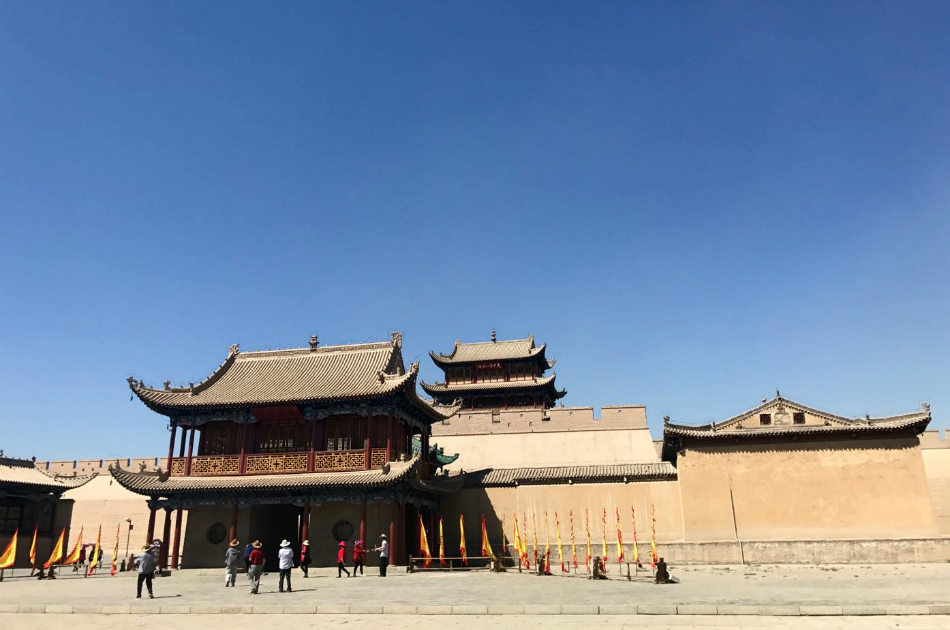 8 Day Silk Road Highlights Tour from Urumqi