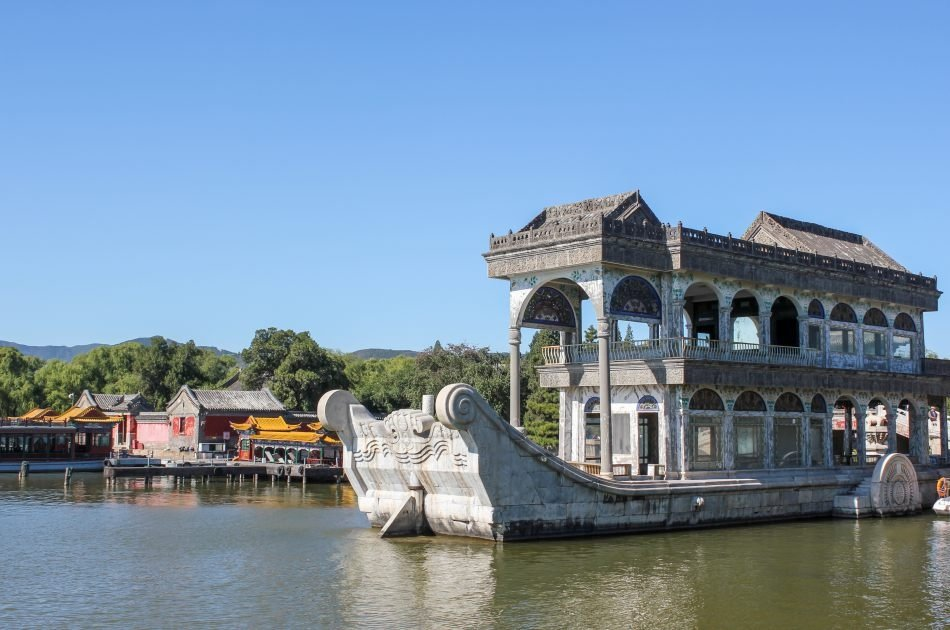 Badaling Great Wall and Summer Palace Coach Tour from Beijing