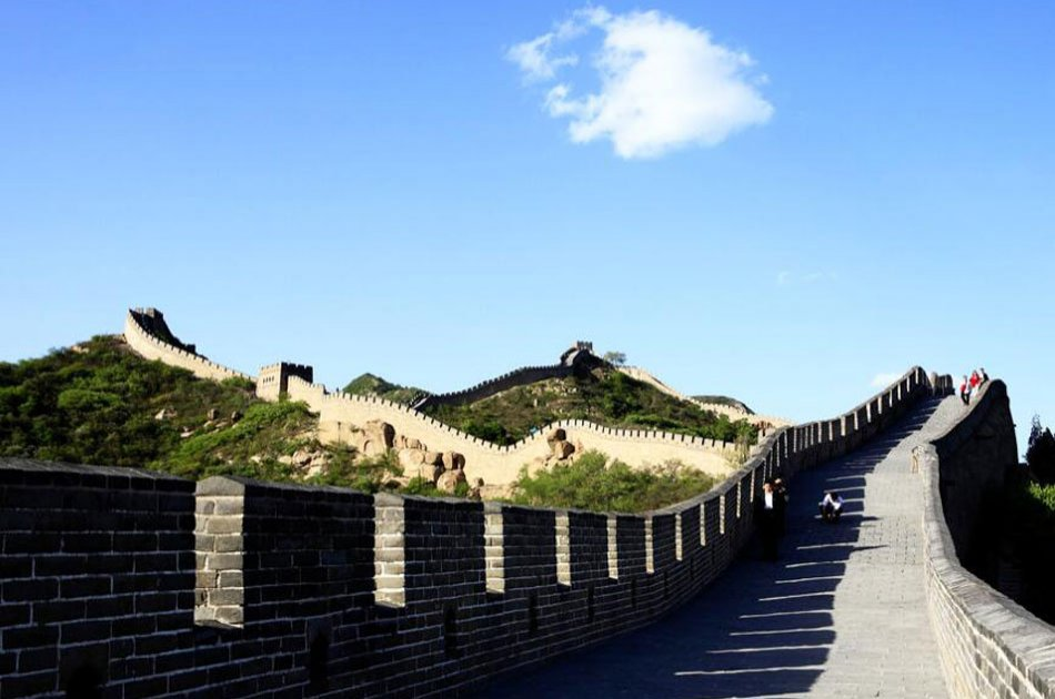 Beijing Coach Tour of Badaling Great Wall and Ming Tombs