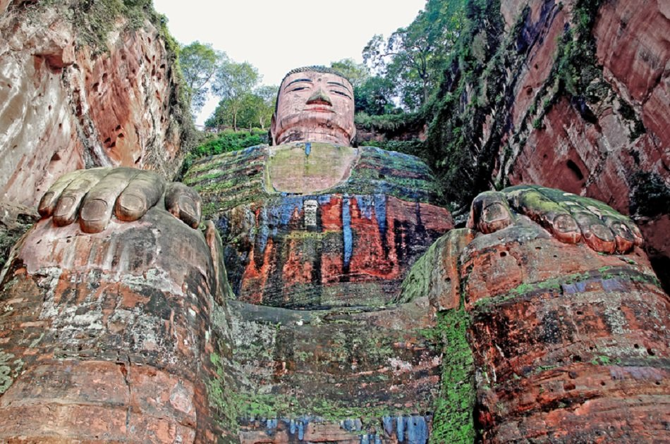 Chengdu Private Day Tour of Panda Base and Leshan Giant Buddha