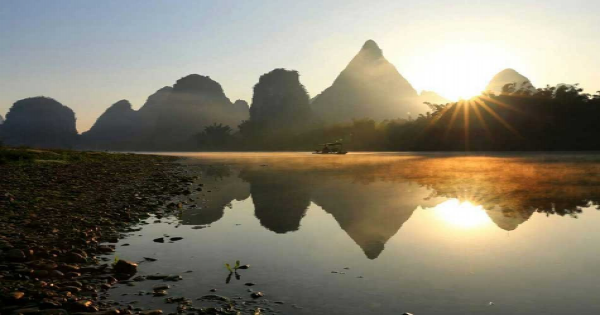 Guilin Group Tour of Li River Cruise and Yangshuo Ancient Street