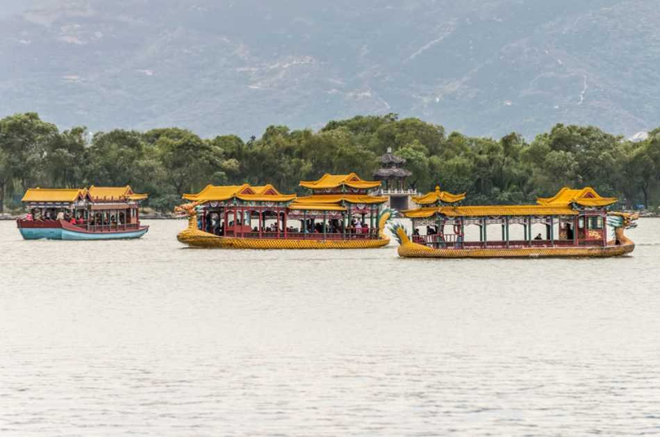 Half Day Private Tour of Summer Palace With Boat Riding in Beijing