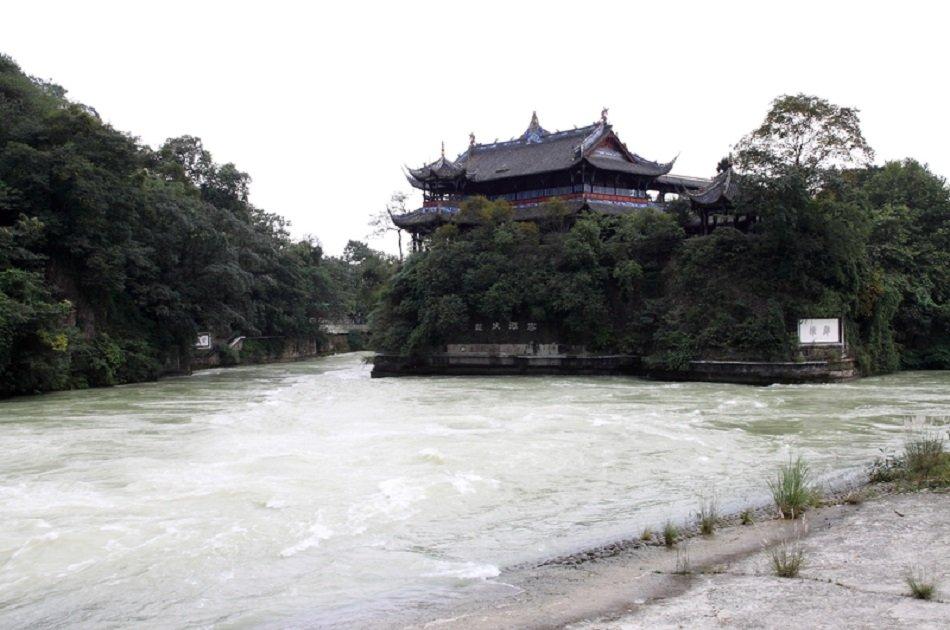 Private Chengdu Panda Trip and Customizable City Sightseeing