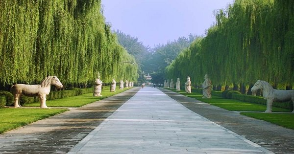 Private Day Tour of Badaling Great Wall and Ming Tombs in Beijing