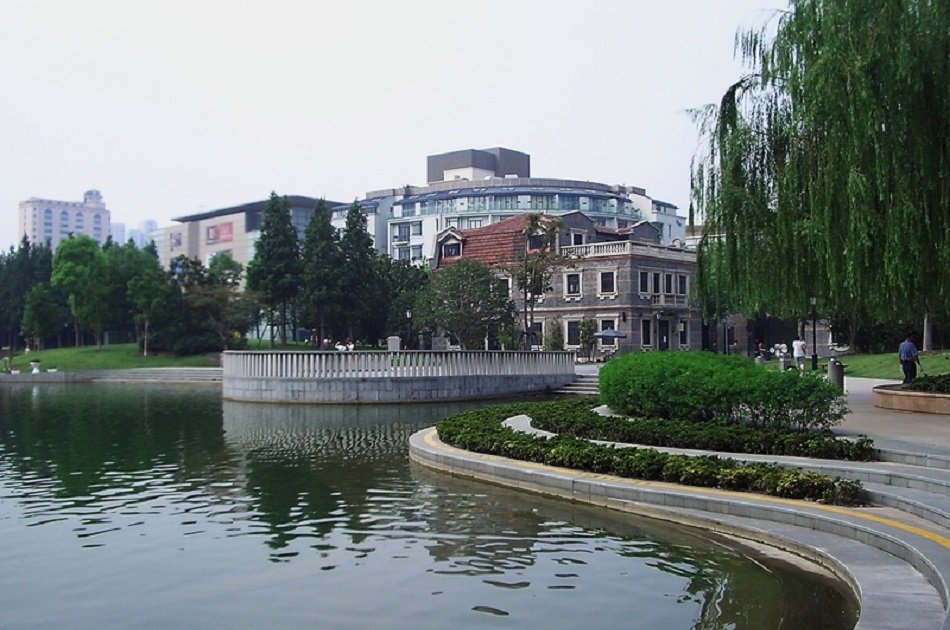 Shanghai Half Day Private Tour of World Financial Center and French Concession