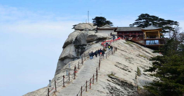 Xian Private Day Tour of Huashan Mountain