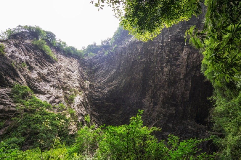 Zhangjiajie Grand Canyon, Glass Bridge and Baofeng Lake Private Tour