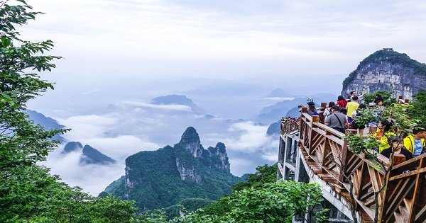 Zhangjiajie Private Trip of Tianmen Mountain, Sky Walk and Tujia Custom Discovery