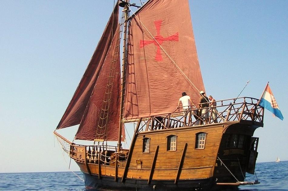 Pirate Ship Sunset Short Cruise in Split