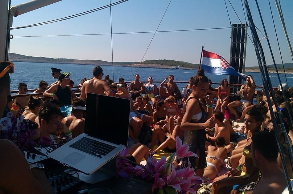Polaris Yacht Private Full Day Rental