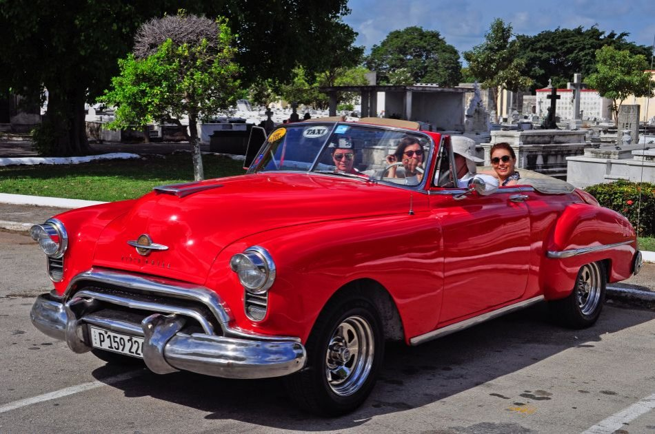 Havana City Private Tour in Classic Car