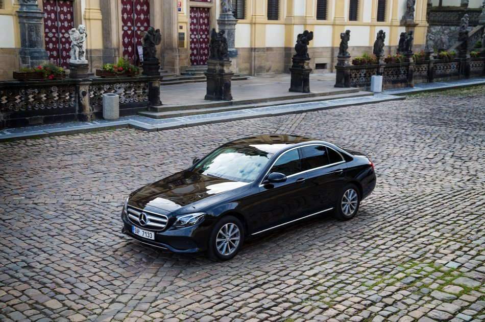 4 hours Prague Private Tour by car with Guide
