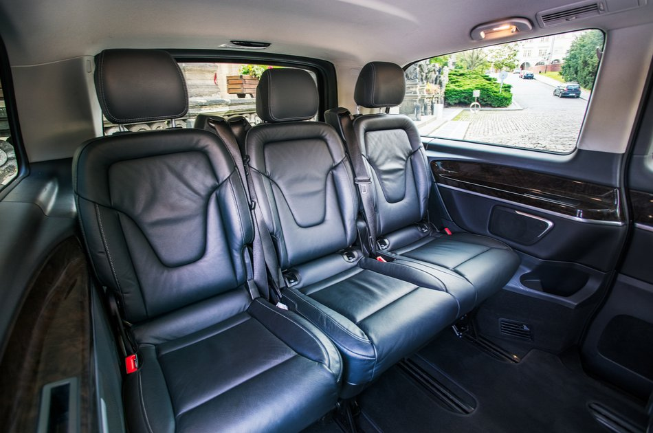 Private Prague Airport Arrival Transfer (2-6pax)
