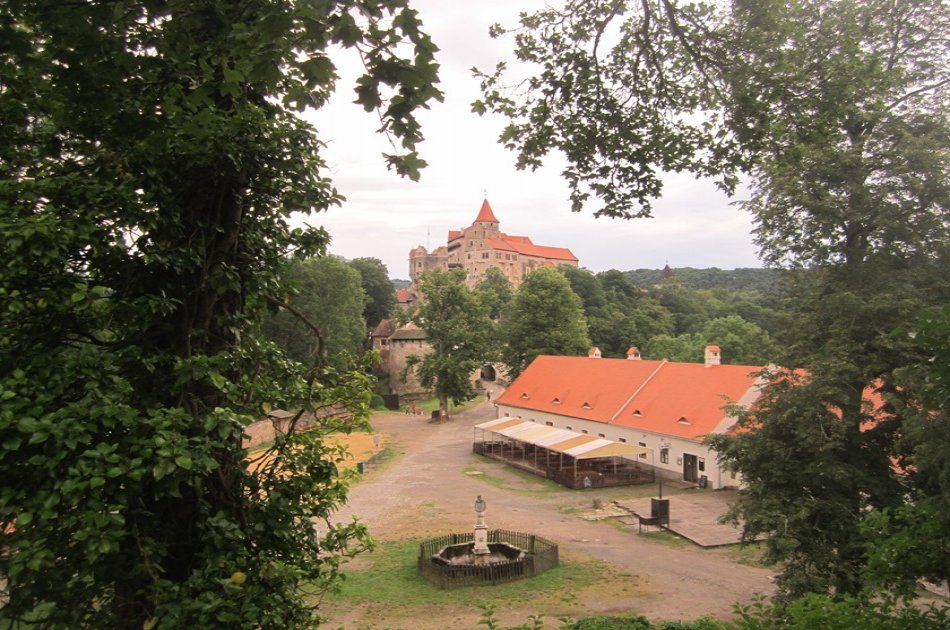 Punkva Cave, Macocha Abyss and Pernstejn Castle - Full Day Tour from South Moravian