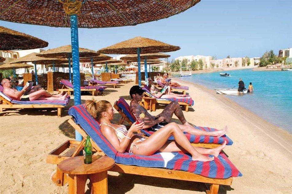 11 Days 10 Nights Egypt Holiday Travel Package to Cairo Aswan Luxor & Hurghada