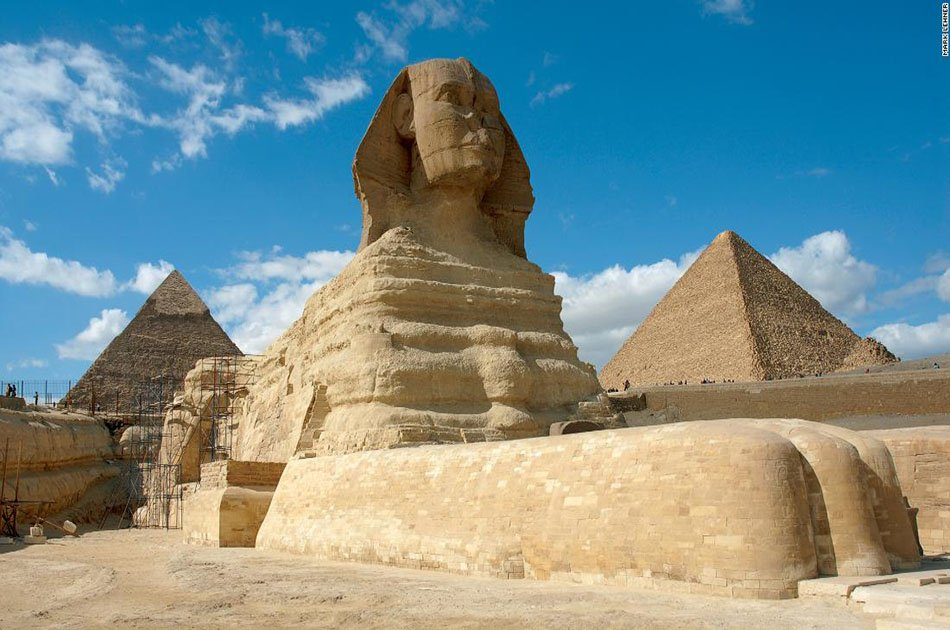 8 Hour Private Tour to Giza Pyramids, Sphinx, Old Cairo, Citadel and Bazaar