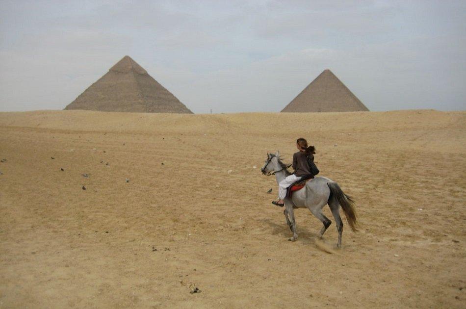 Camel/Horse Ride at the Great Giza Pyramids