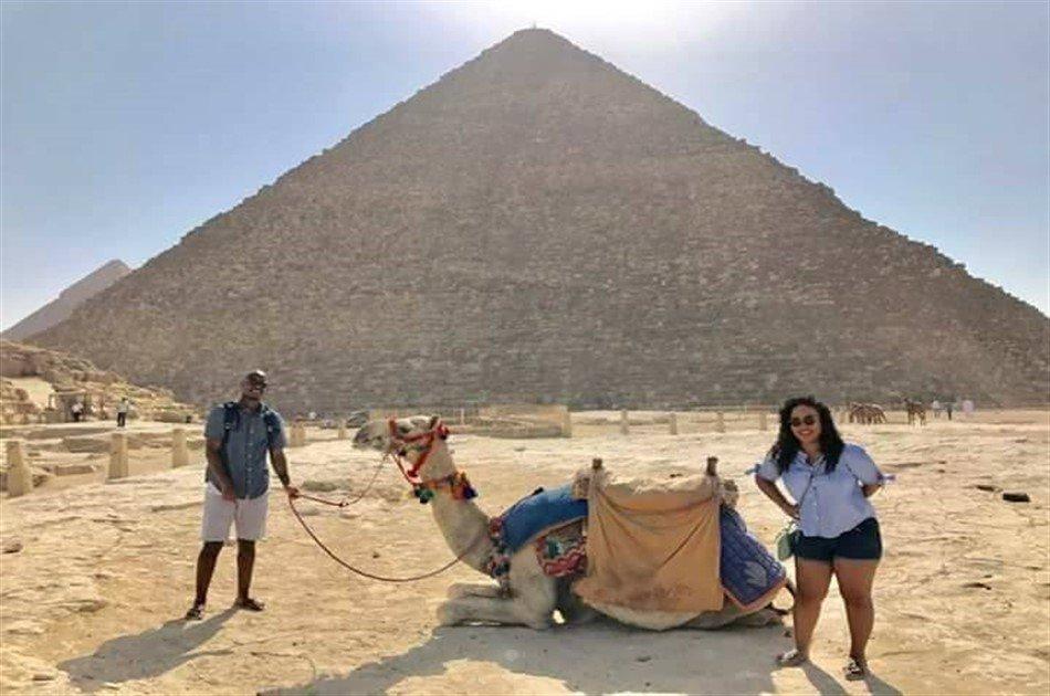 Day Tour to Giza Pyramids by Camel