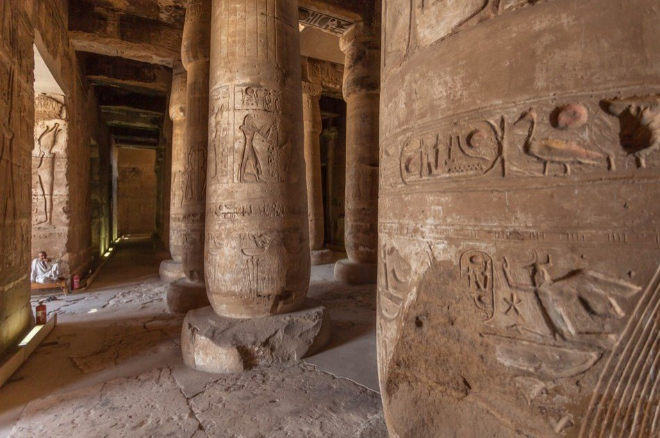 Full Day Guided Denderah & Abydous Tour in Luxor