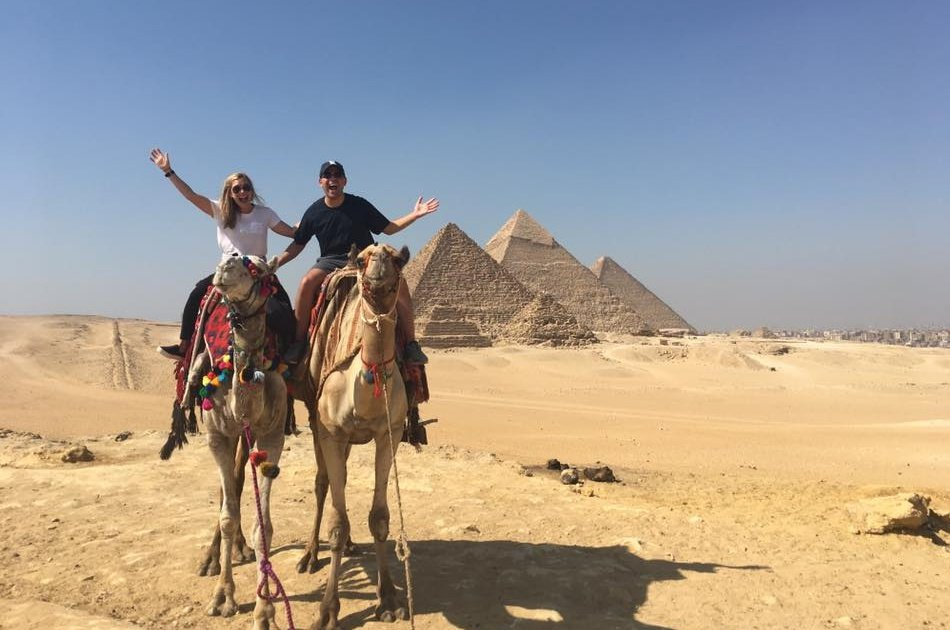 Giza Pyramids and Egyptian Museum on a Full Day Private Guided Tour