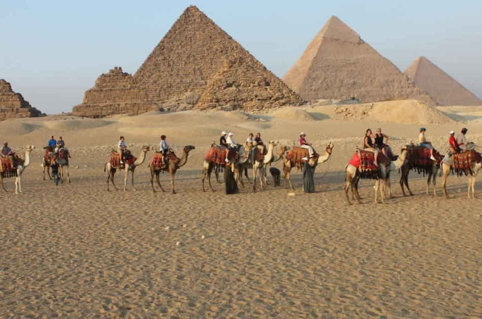 Half Day Tours of the Pyramids of Giza and Sphinx with Camel Riding and Guide