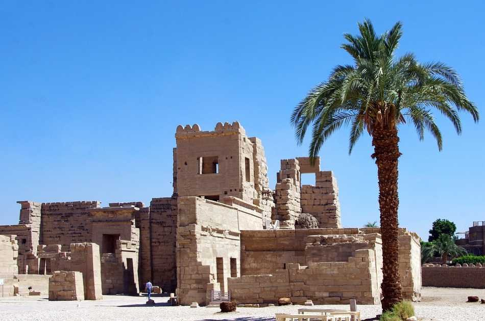 Luxor Private Full Day Tour: Valley of Kings & Queens, Hatchepsut Temple, Medinet Habu, Tombs of Nobles and Colossi of Memnon