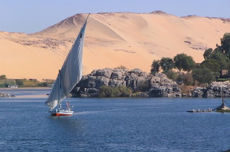 Merit Dahabeya Luxury Nile Cruise 8 Days