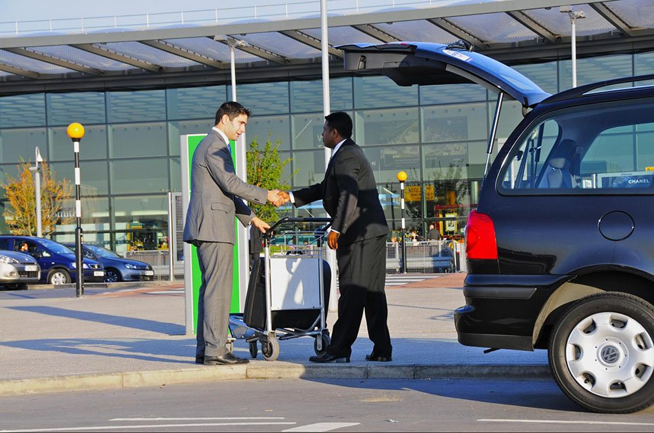 Private Departure Transfer from Cairo or Giza Hotels to Cairo Airport