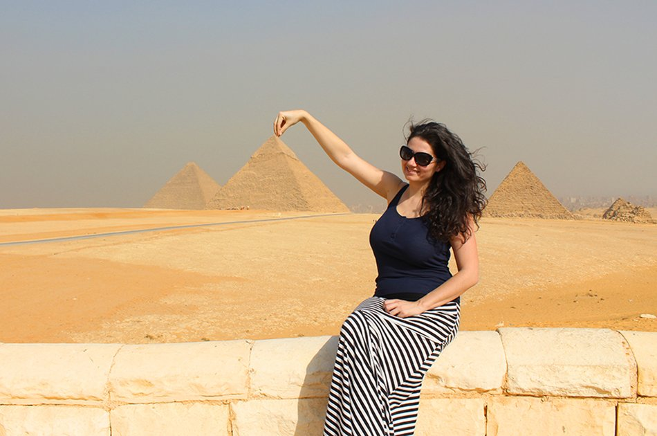 Private Full Day Tour to Giza Pyramids, Sphinx and Sakkara Including Camel Ride