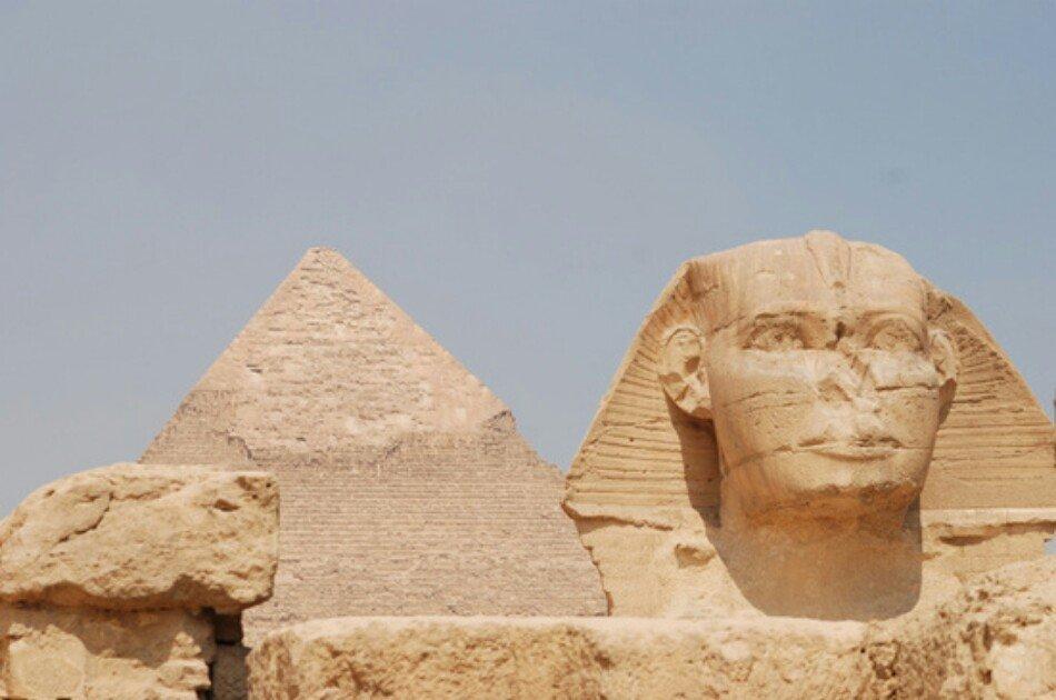 Private Giza Pyramids, Egyptian Museum & Khan El khalili Half Day Tour