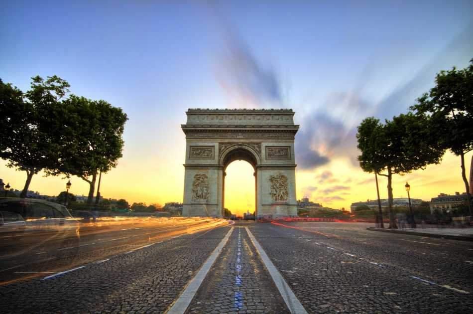 Arc de Triomphe Ticket and Paris City Tour