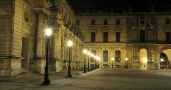 Dark Side of Paris Private Evening Walking Tour