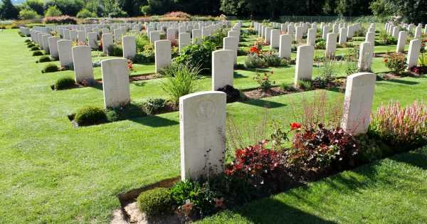 Guided Somme Battlefields Tour, visit the Australian John Monash Center, small group