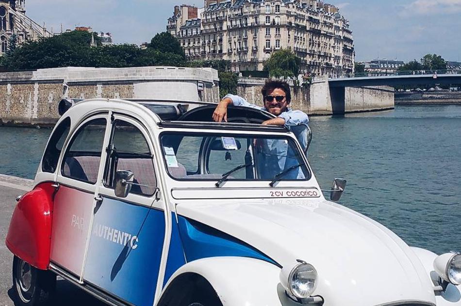 Paris By Day in a Vintage car - Mythic Tour Tour (3 hours)