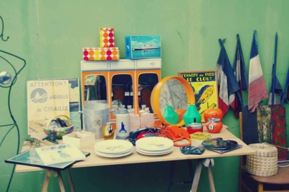 Paris Vintage Tour at the Paris Flea Market – Small Group Tour