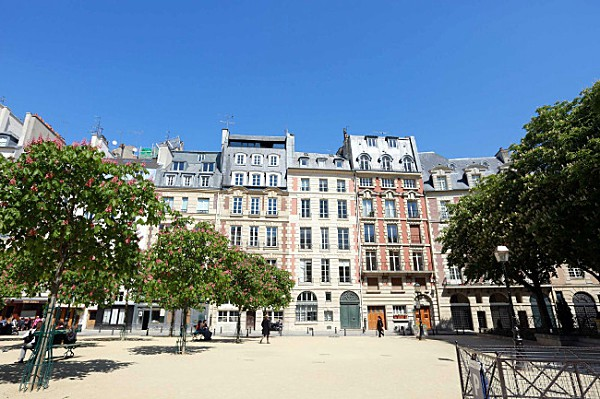 Historical Walk to Heart of Paris