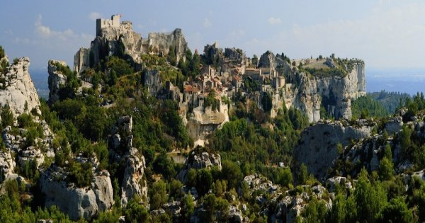 Private Avignon, St Remy and Les Baux De Provence Tour from Marseille