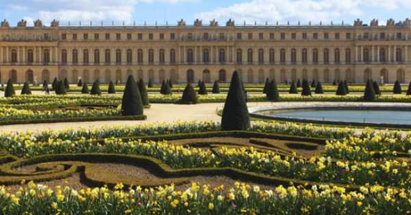 Private Full Day Guided Tour to the Palace of Versailles and Trianons From Paris With Lunch