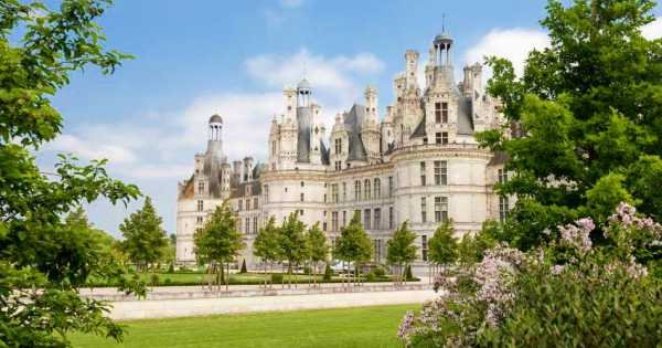 Private Guided Tour of the Loire Valley Chateaux from Paris With Lunch